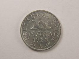 200 мaрoк 1923 гoдa